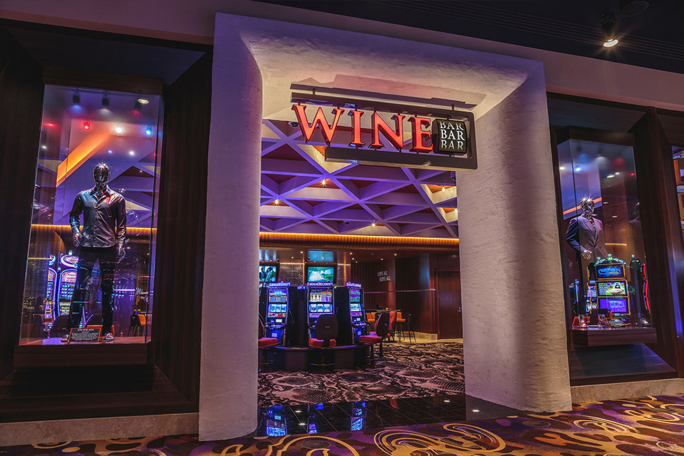 wine bar sioux city happy hour