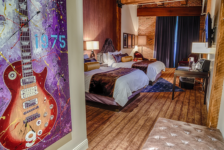 deluxe queen hotel rooms sioux city