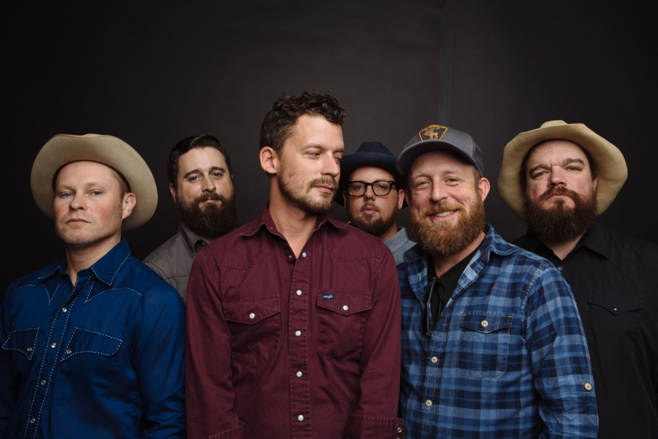 turnpike troubadours sioux city entertainment